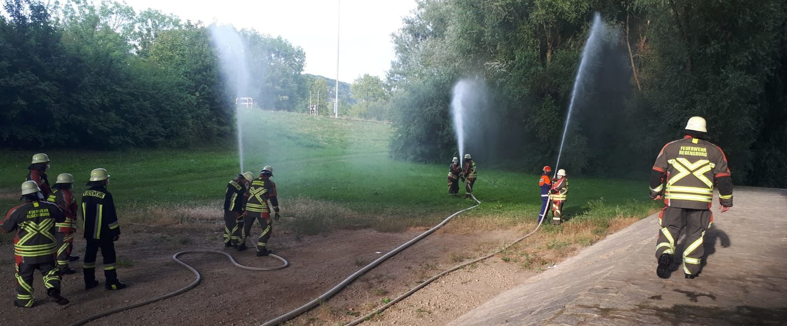 Übung - Löschangriff mit Wasserentnahme aus offenem Gewässer